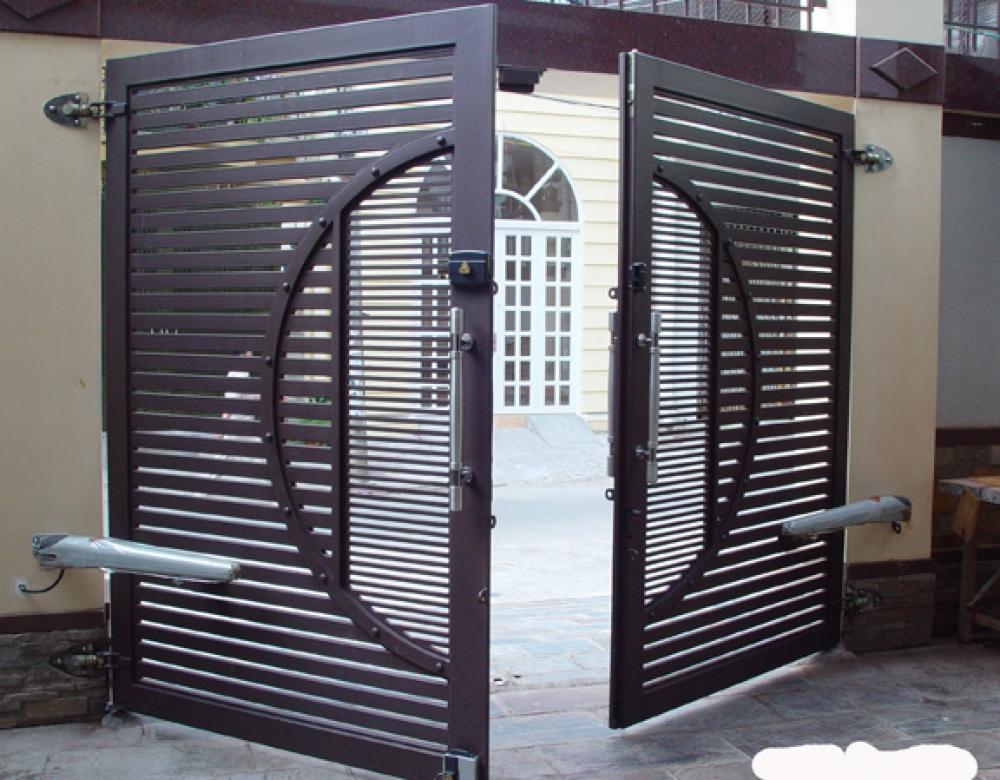 Cho Thuê thợ sửa cửa sắt ở TPHCM, giá rẻ, nhiều kinh nghiệm