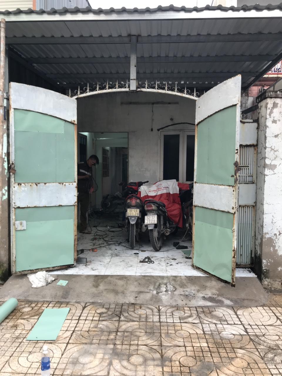 Thợ sửa chữa cửa sắt tại tphcm tới sau 15 phút - Nguyễn Danh