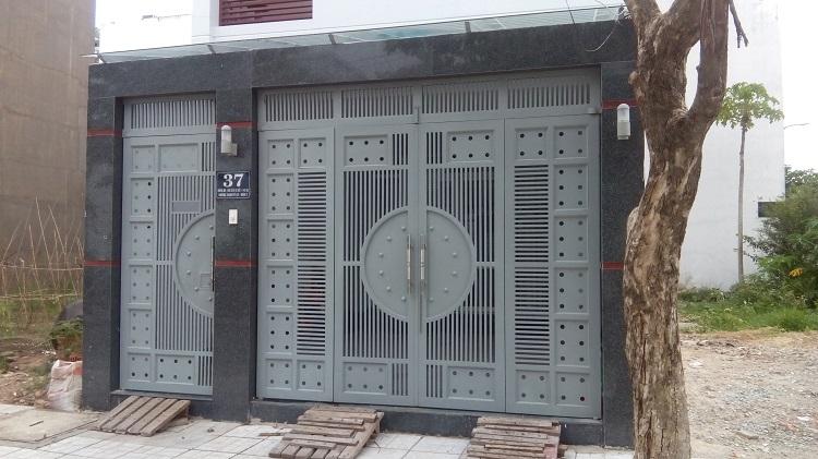 Cổng sắt nhà phố ND06